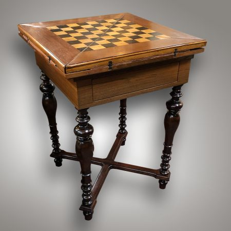 Chest and card table - 19th century / Historicism